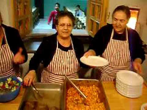 Προετοιμασία φαγητού στο Κέντρο Προστασίας Ανηλίκων ΡΟΜ