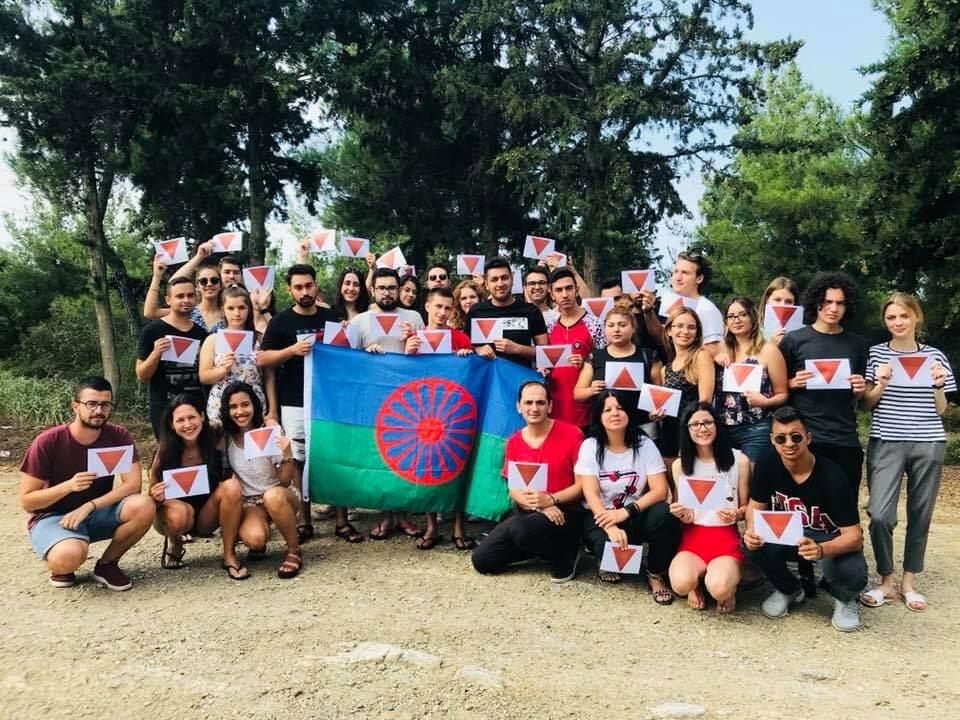 Τα παιδιά του «Φάρου του Kόσμου» γράφουν με αφορμή την Παγκόσμια Hμέρα Ρομά